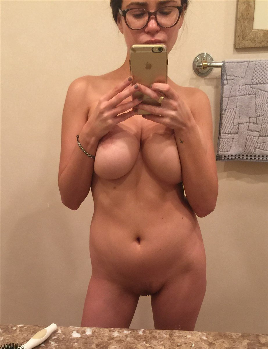 Nicolle Radzivil Nude Photos Leaked
