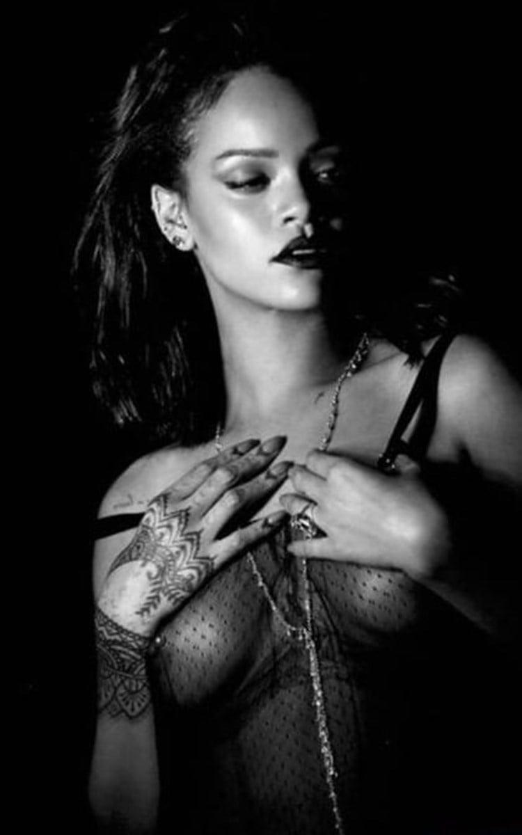 Rihanna Nude Tits And Ass Music Video Mix