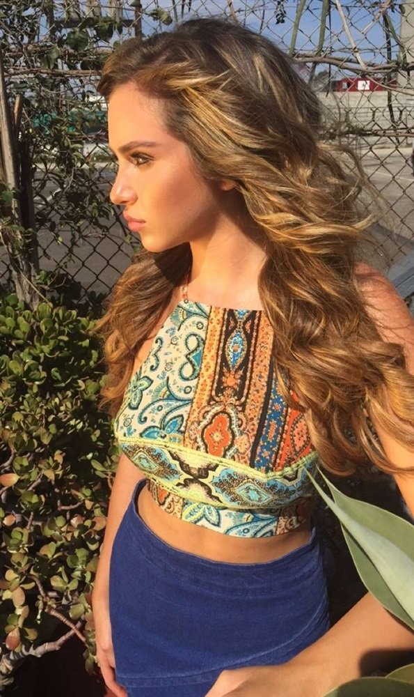 Ryan Newman Behind-The-Scenes Of Her Covered Topless Photo Shoot