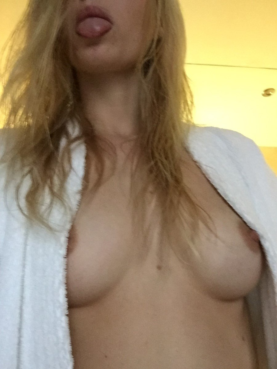 Samara Weaving Nude Photos Collection