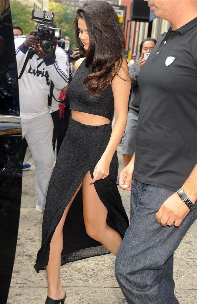 Selena Gomez With No Bra On In New York City