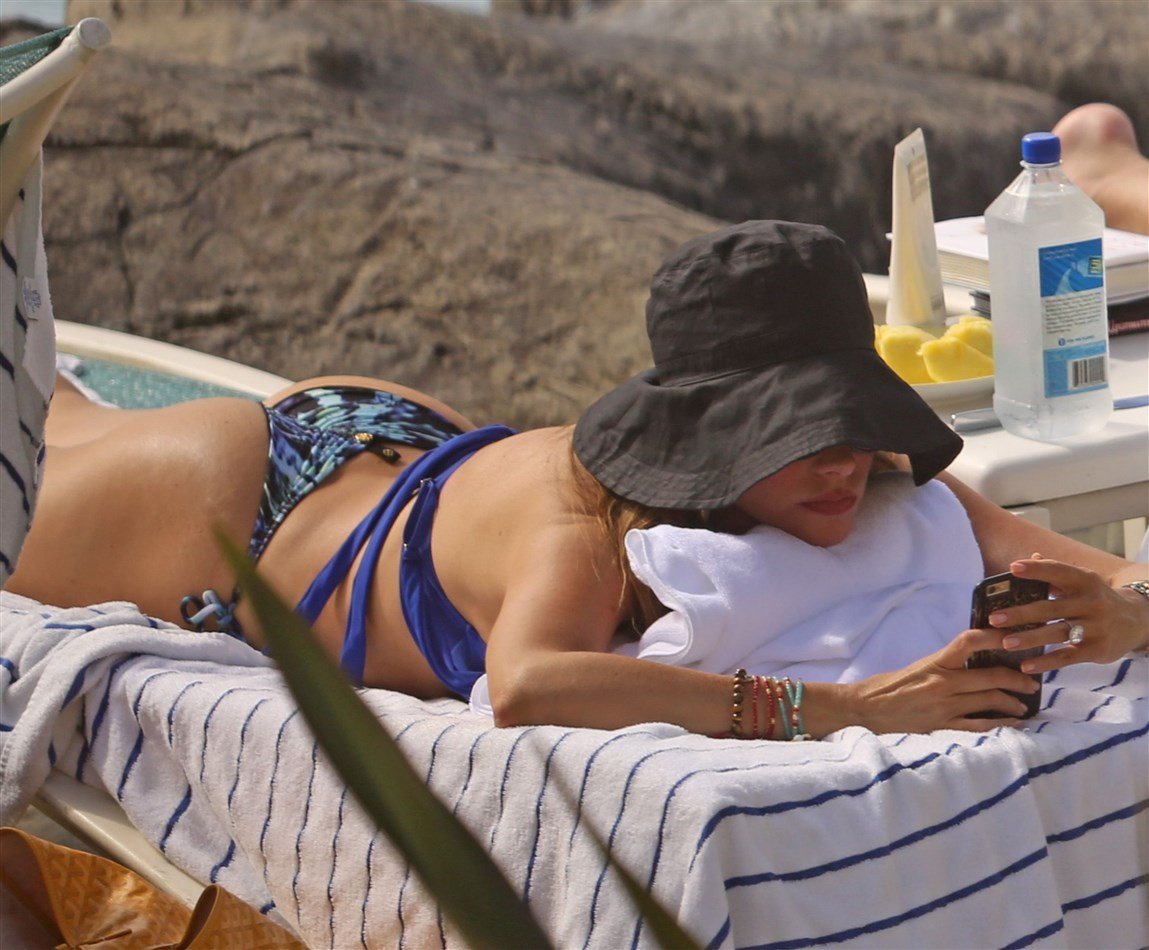 Sofia Vergara Bikini Candids From Hawaii
