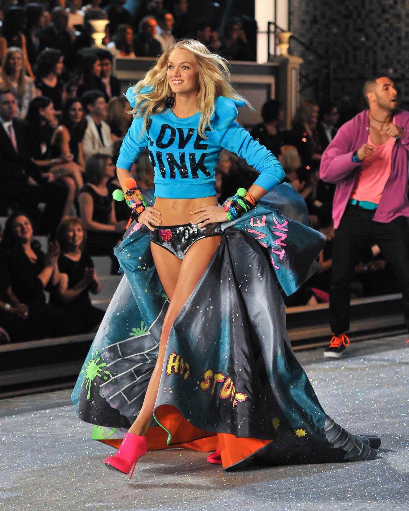 Victoria's Secret 2011 Fashion Show Pics