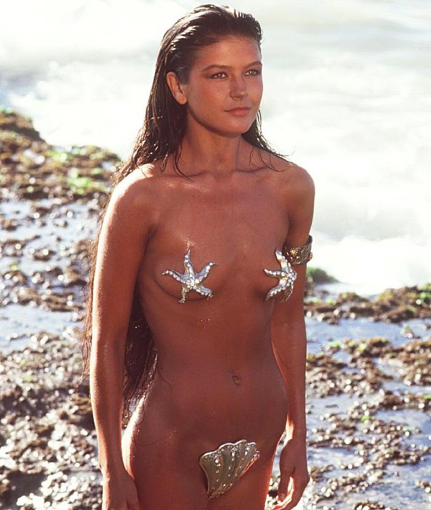 """Catherine Zeta-Jones Nude Debut In """"The 1001 Nights"""""""