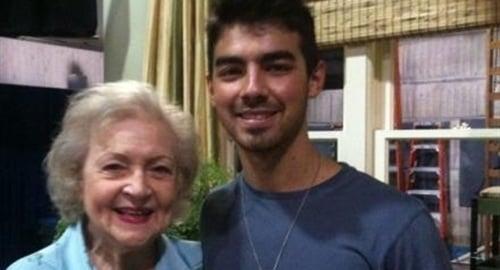 Joe Jonas And Betty White Are Dating