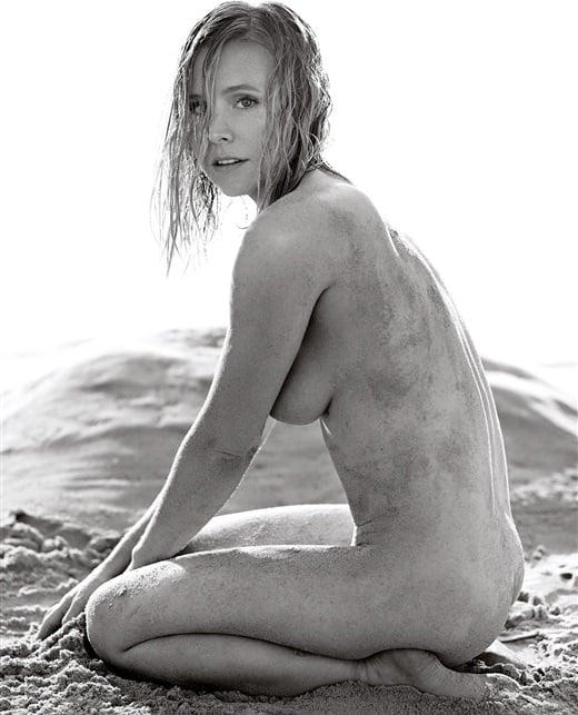 Kristen Bell's Bulbous Post-Pregnancy Sideboob