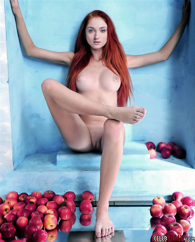 Sophie Turner Laying Around Naked