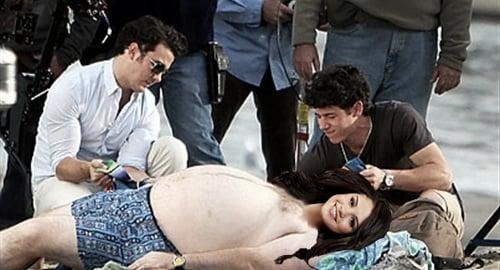 Selena Gomez Photographed Topless with Jonas Brothers