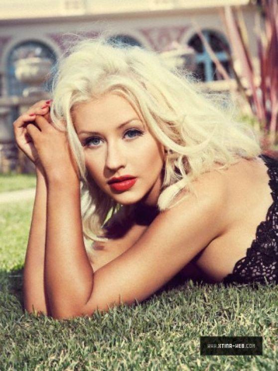 Christina Aguilera Photoshoot Elle Brazil Outtakes