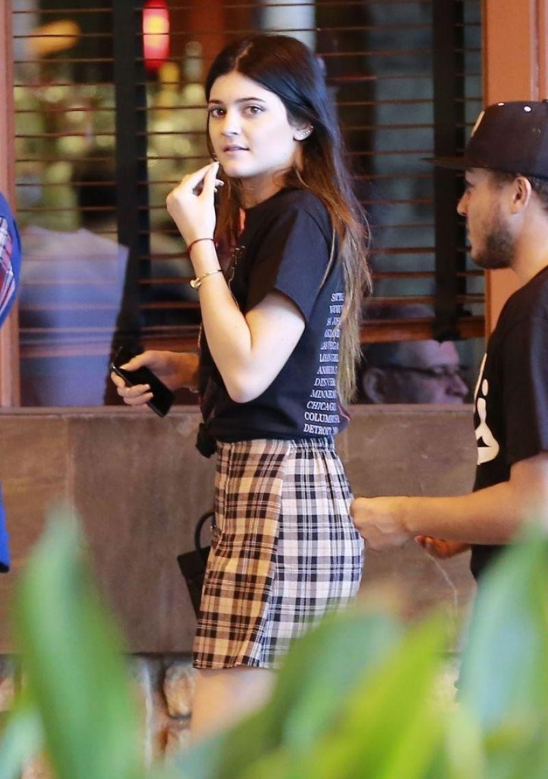 Kylie Jenner Street Style Beverly Centre November 2013