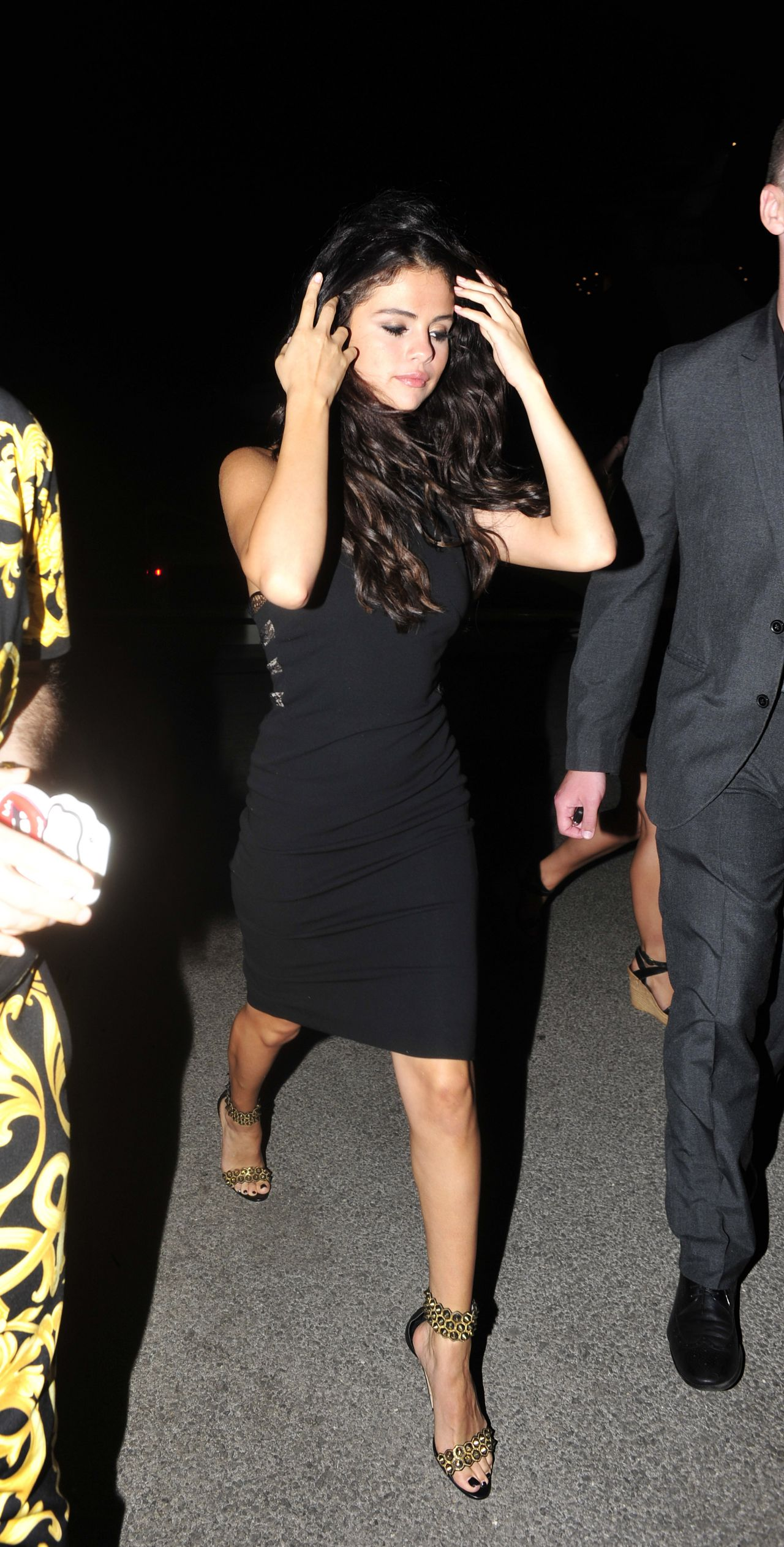 Selena Gomez Night Out Style Going To A Restaurant In
