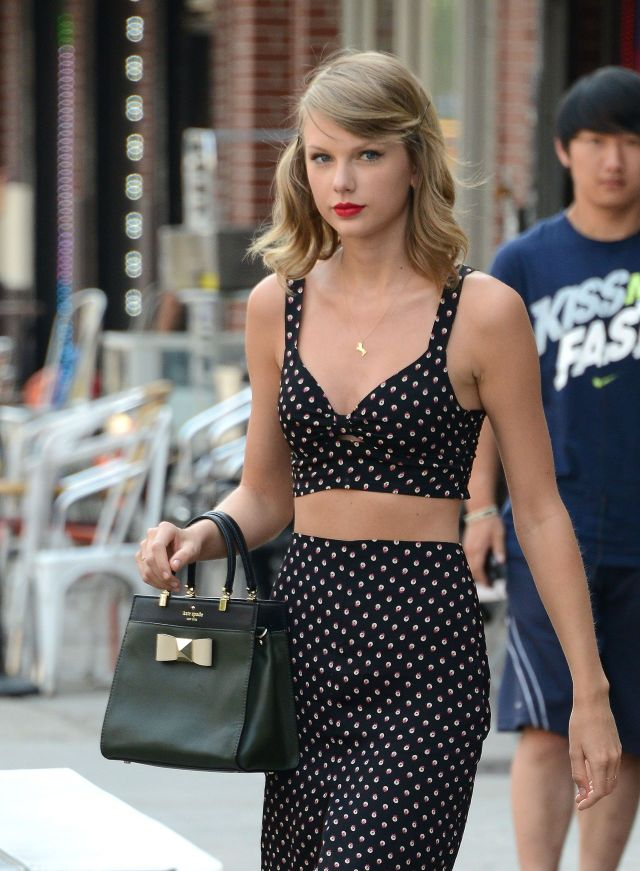 Amzin  Tylor Swift Casual Dress ups in Black