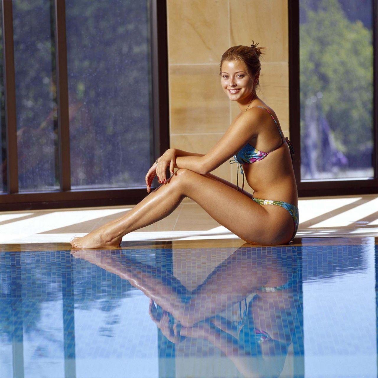 Holly Valance Poolside Bikini Photoshoot