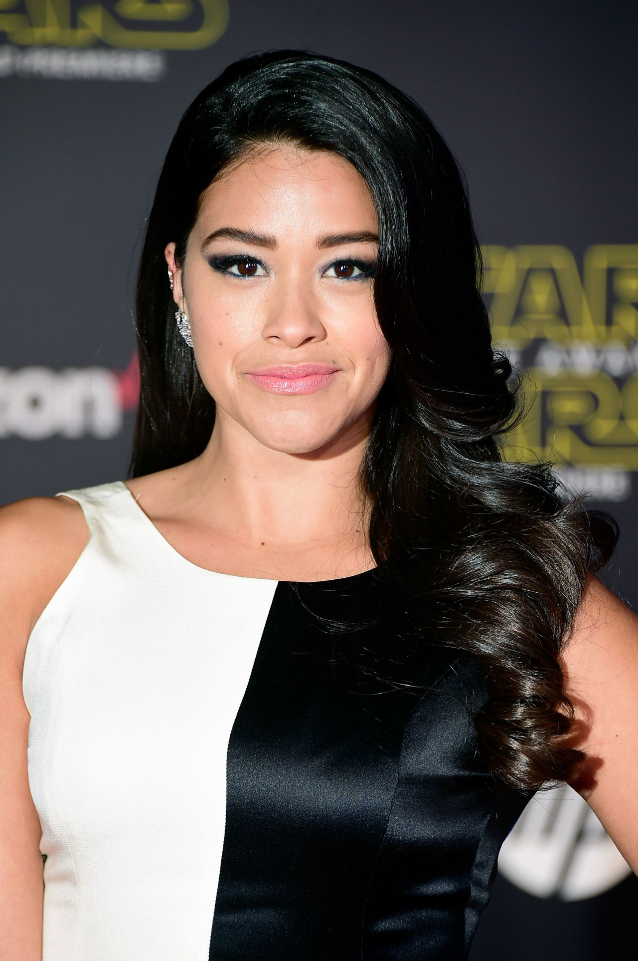 Gina Rodriguez Star Wars The Force Awakens Premiere In