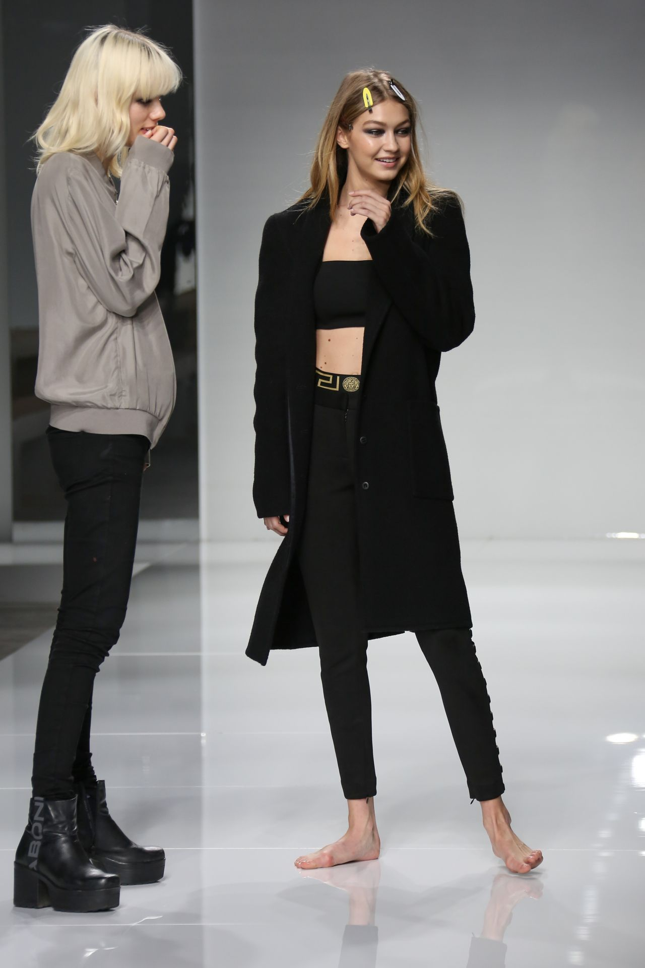 Gigi Hadid Versace Catwalk Before The Haute Couture