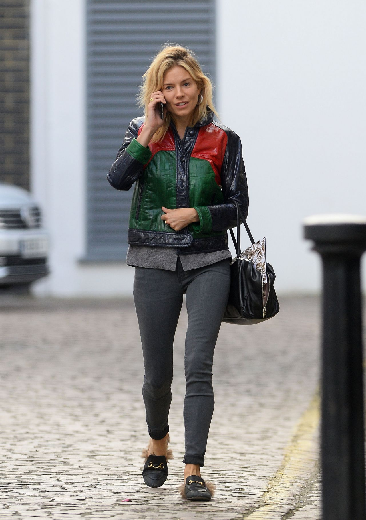 Sienna Miller Casual Style Out In London 4302016