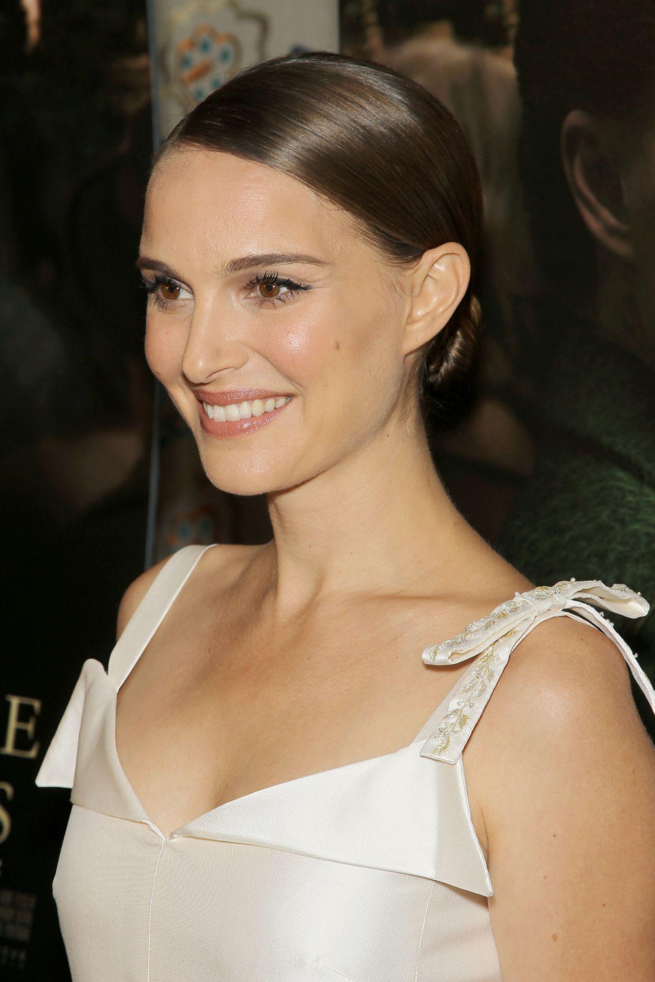 Natalie Portman A Tale Of Love Amp Darkness Premiere In