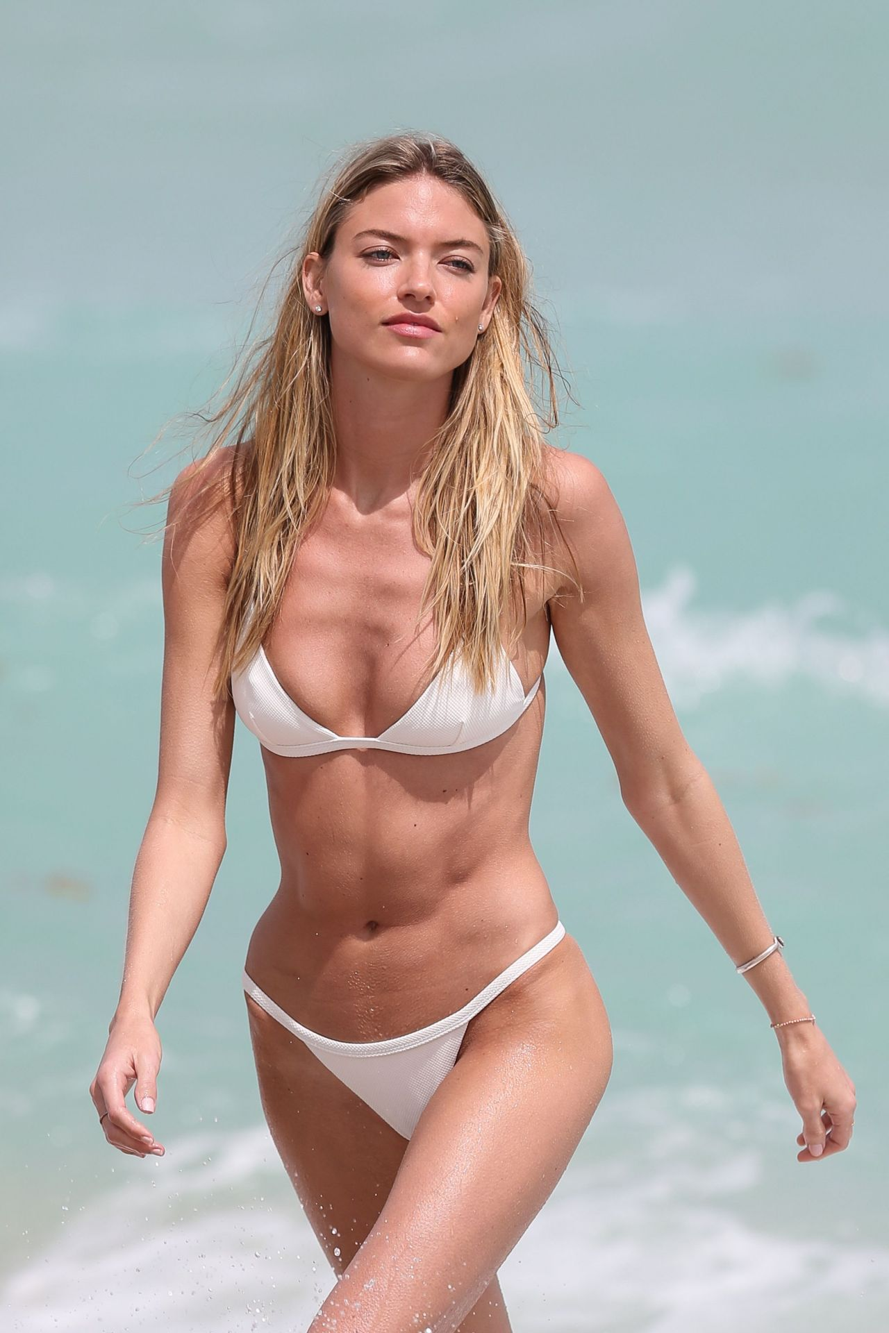 Martha Hunt In White Bikini On Miami Beach 325 2017