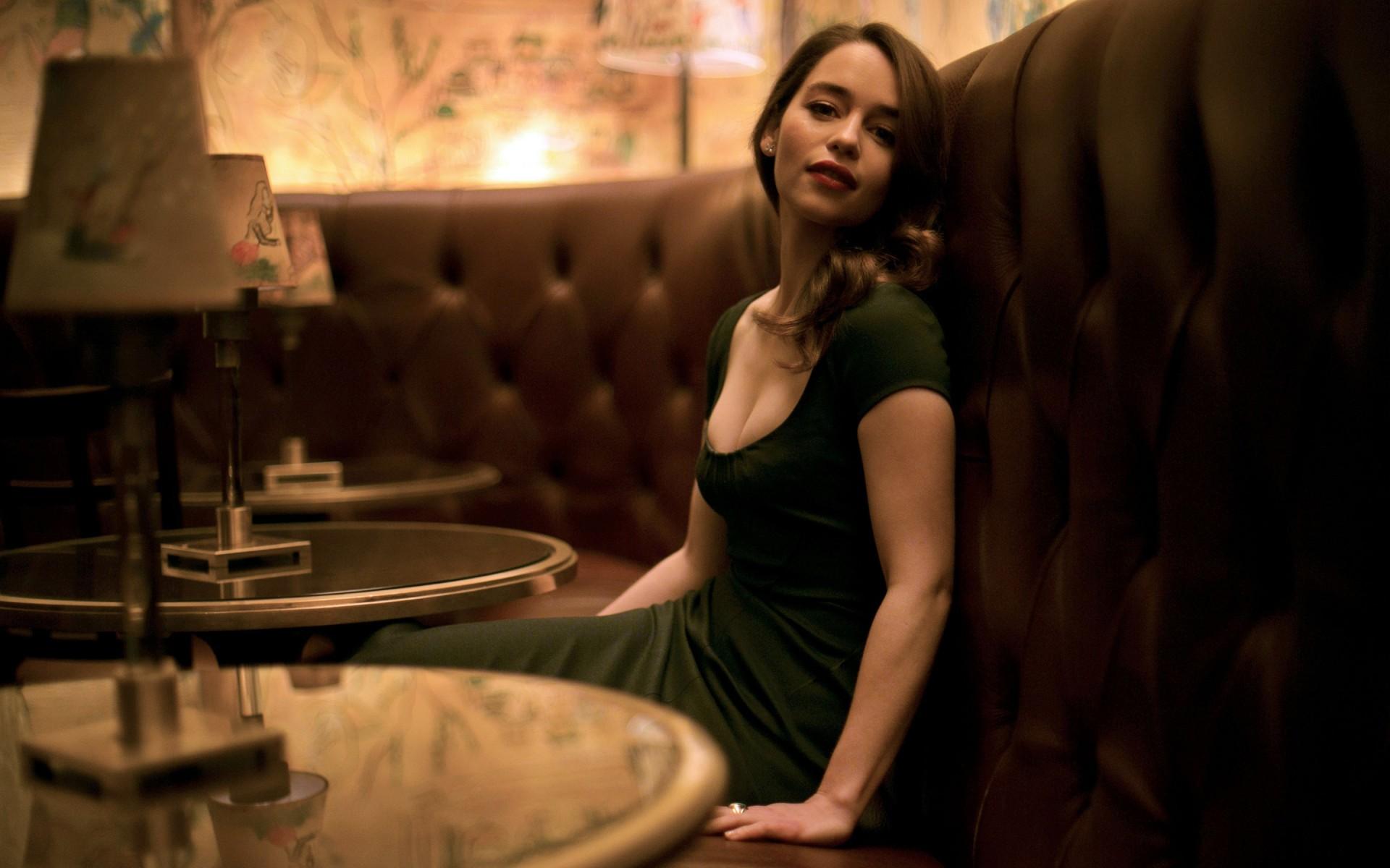 Emilia Clarke Wallpapers 38