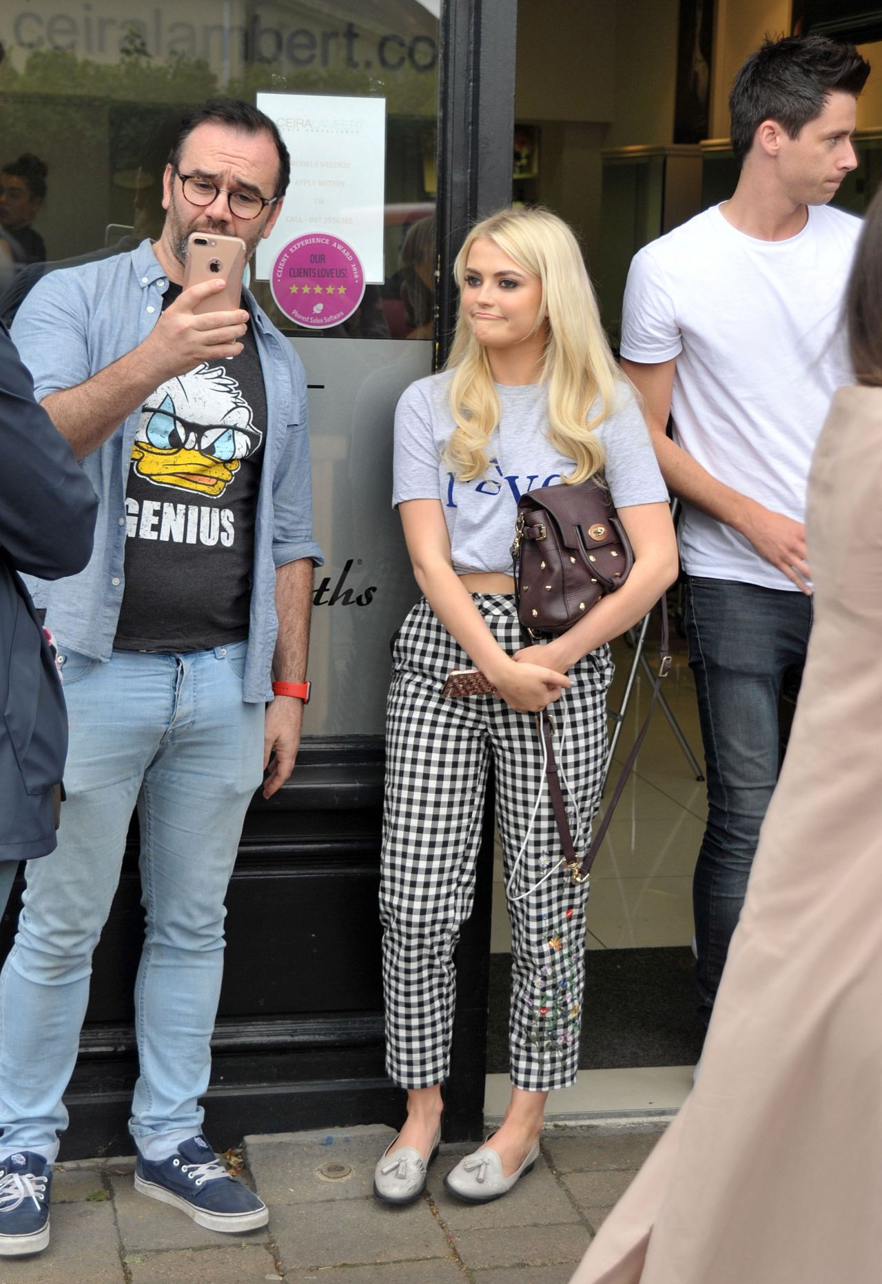 lucy-fallon-cute-style-at-ceira-lamberts-hair-salon-in-shankill-village-dublin-06-17-2017-10.jpg (1280×1863)