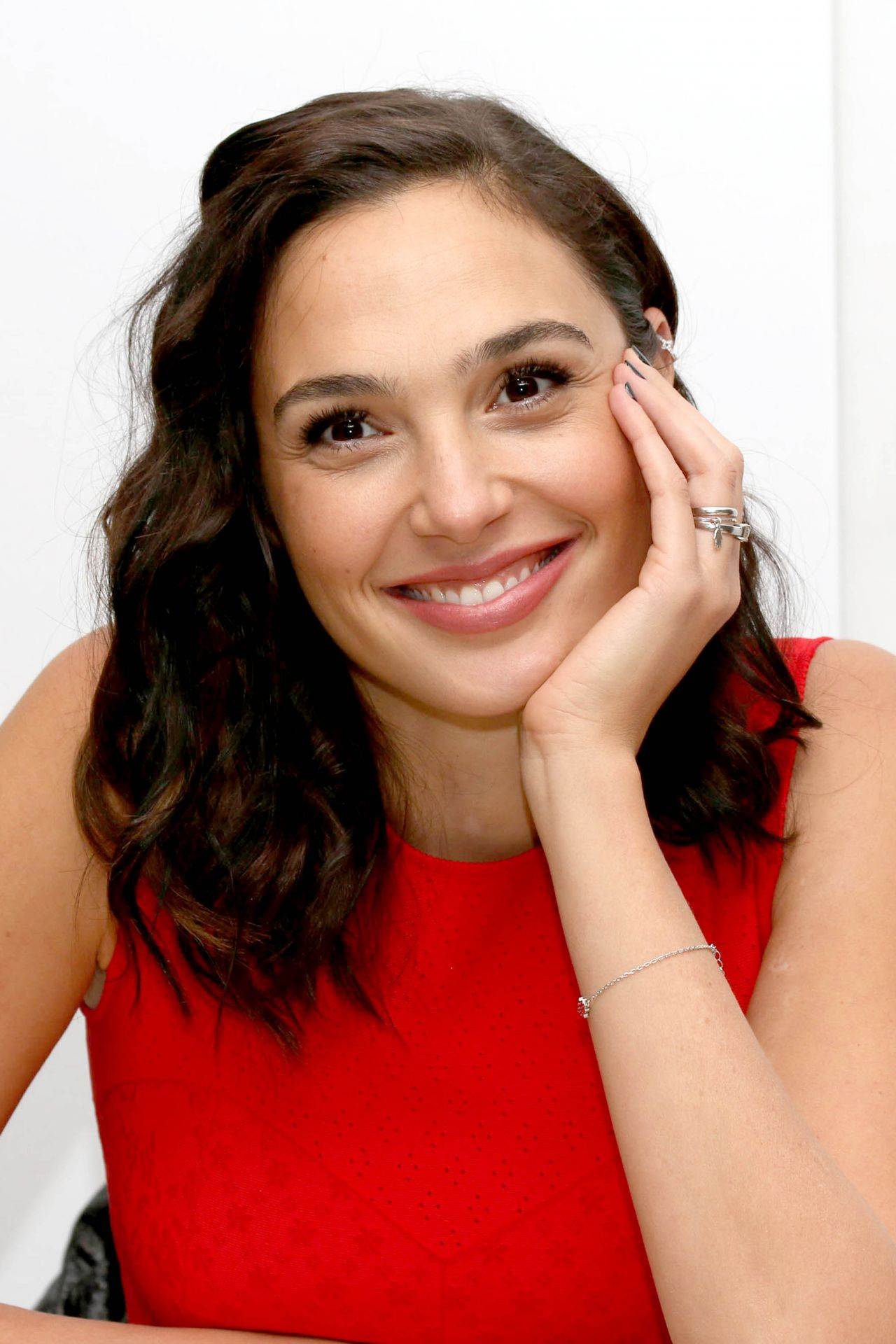 Gal Gadot Justice League Press Conference In London 11