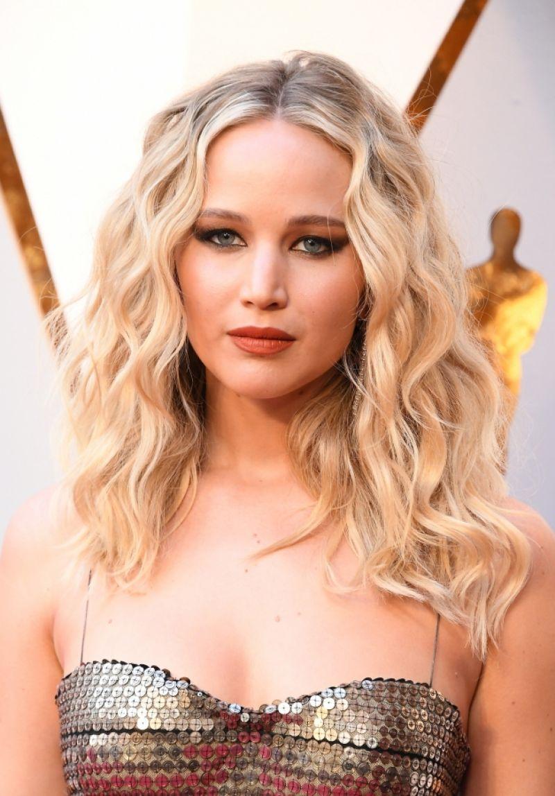 Jennifer Lawrence Oscars 2018 Red Carpet