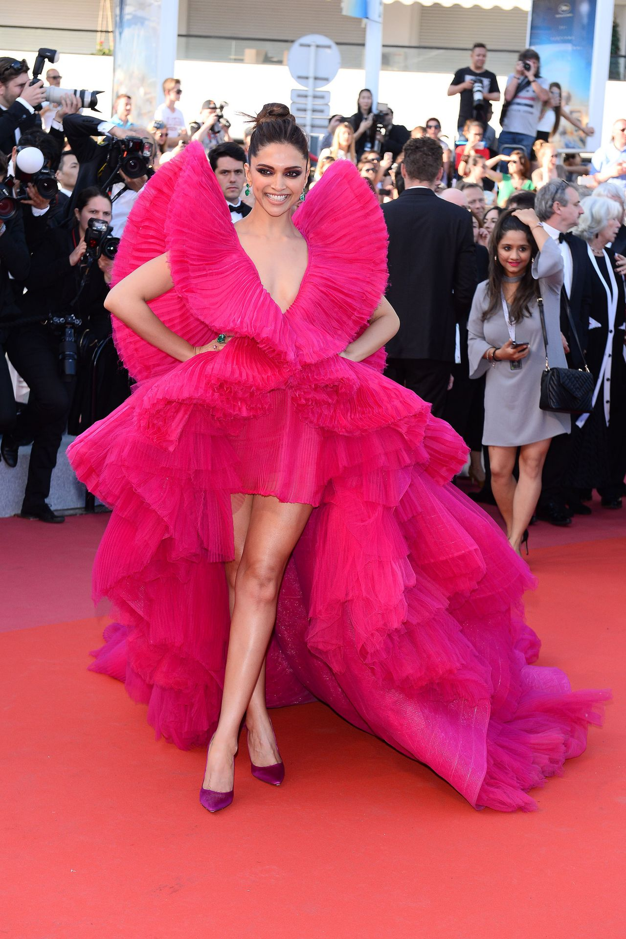 Deepika Padukone Ash Is Purest White Red Carpet In Cannes