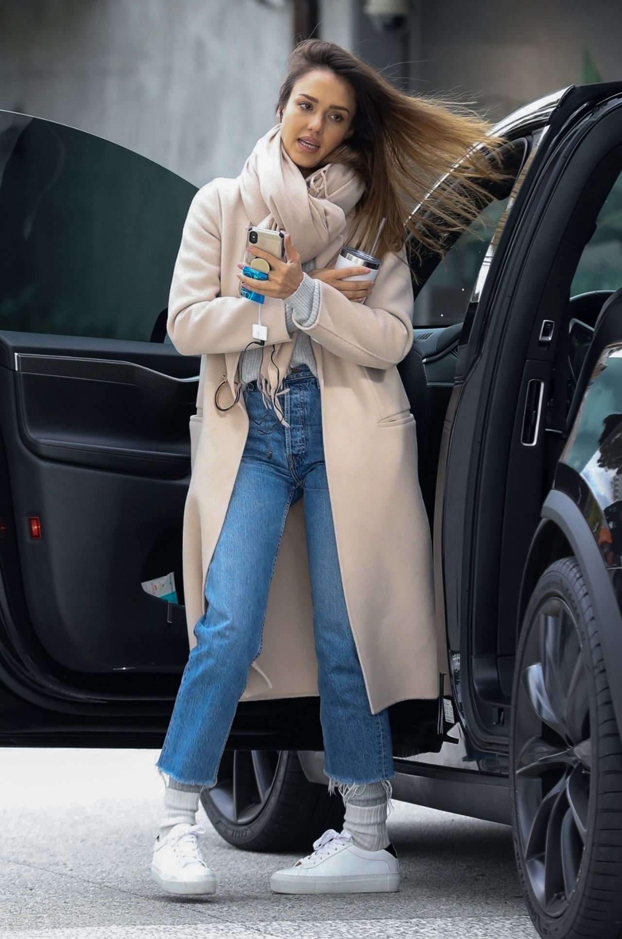 Jessica Alba Shopping In Los Angeles 02012019
