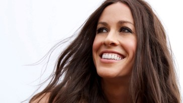 Alanis Morissette delivers piano ballad on new song 'Diagnosis'