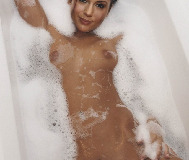 Alyssa Milano Naked Fake Img