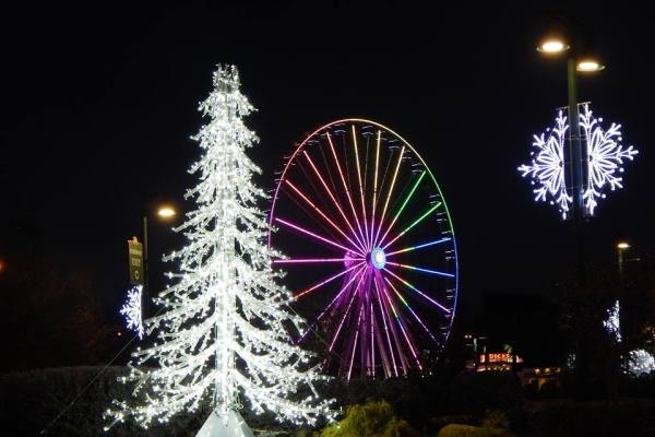 Christmas events Gatlinburg, Christmas events Pigeon Forge, Gatlinburg New Years Eve fireworks, Gatlinburg space needle fireworks, New Year's Eve Show at the Smoky Mountain Opry, Smoky Mountain Winterfest, Space Needle fireworks, The Island New Years Eve, The Island Pigeon Forge, Titanic Museum Noon Years Eve