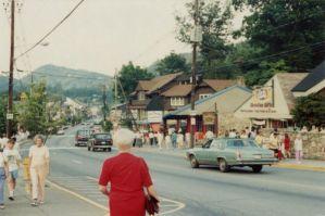 Gatlinburg 1930s, Gatlinburg 1950s, Gatlinburg 1970s, Gatlinburg attractions, Gatlinburg history, Smoky Mountain history, Smoky Mountains 1930s, Smoky Mountains 1950s, Smoky Mountains 1970s, Vintage Gatlinburg, Vintage Smoky Mountains