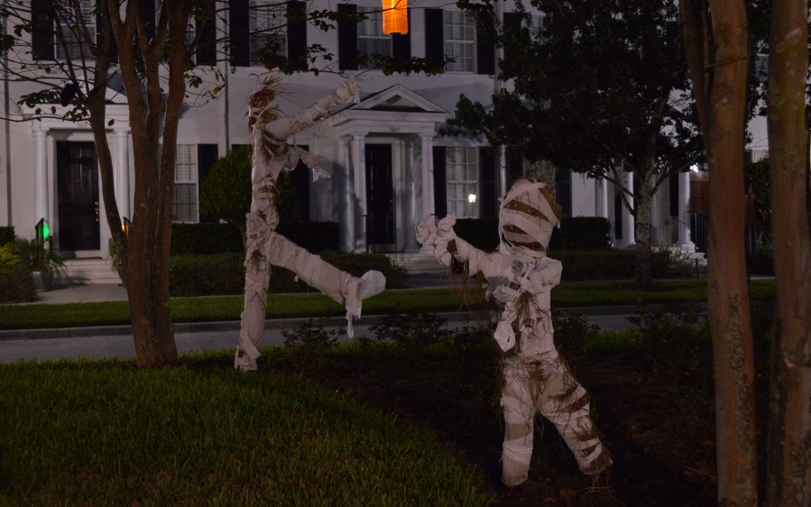 98  Decorating Florida Homes   Decorating Florida Homes Decoration     Mummy Scarecrows For Halloween Decorations