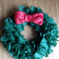 Easy DIY: Tissue Paper Wreath