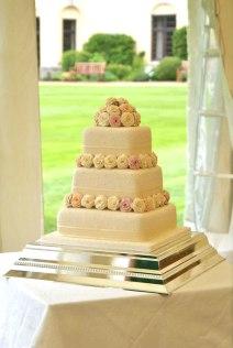 Celebrate-Cakes-Chloe-wedding