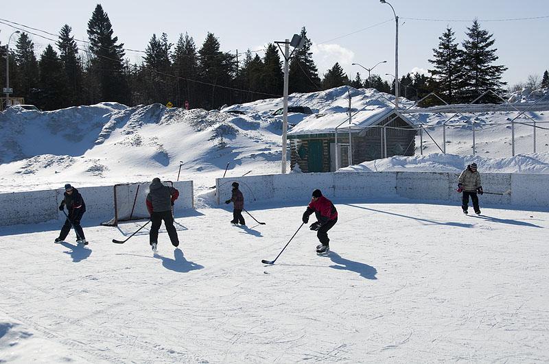 impromptu-hockey-match