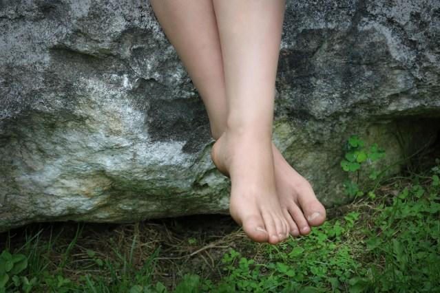 Crossed-ankles