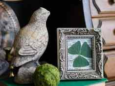 How to Frame a Shamrock, Try this Easy St. Patrick's Day decor idea that is chic & stylish! A simple, budget-friendly St. Patricks Day craft that you can do in minutes.
