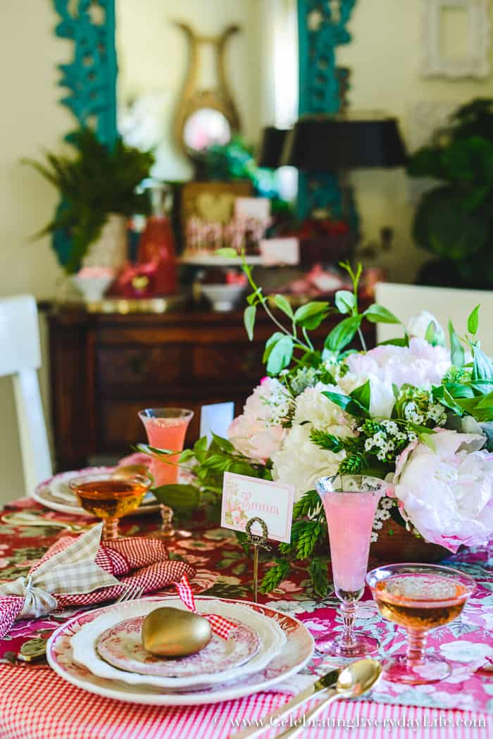 How to Host a Fantastic Galentine's Day Party, How to Host a Fantastic Valentine's Day party, Valentine Party Tips, Valentine Party Ideas, Tips to host the best ever Valentine's Day party!, Tips to host the best ever Galentine's Day party!, What is a Galentine's Day Party?