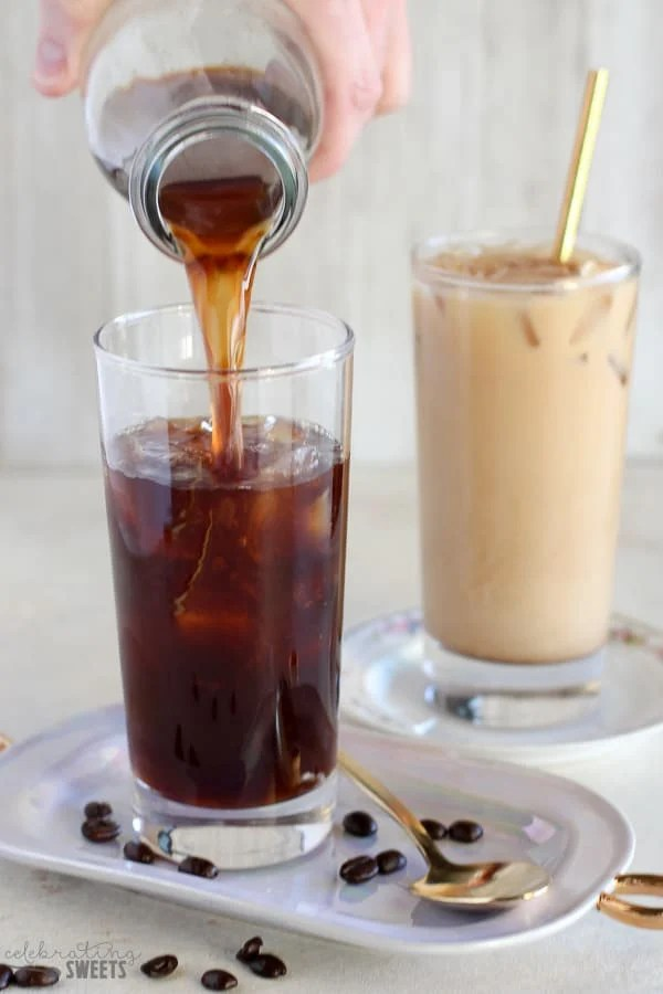 Vanilla Cold Brew Coffee - Easy homemade cold brew coffee infused with vanilla bean and served with vanilla creamer.