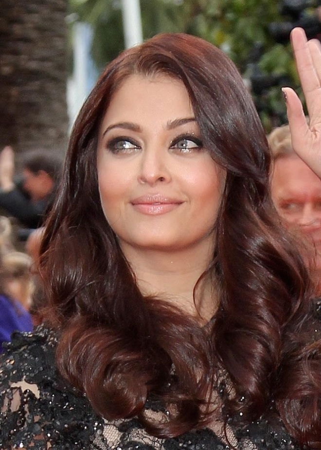 Aishwarya Rai Bachchan Weight Height Ethnicity Hair Color
