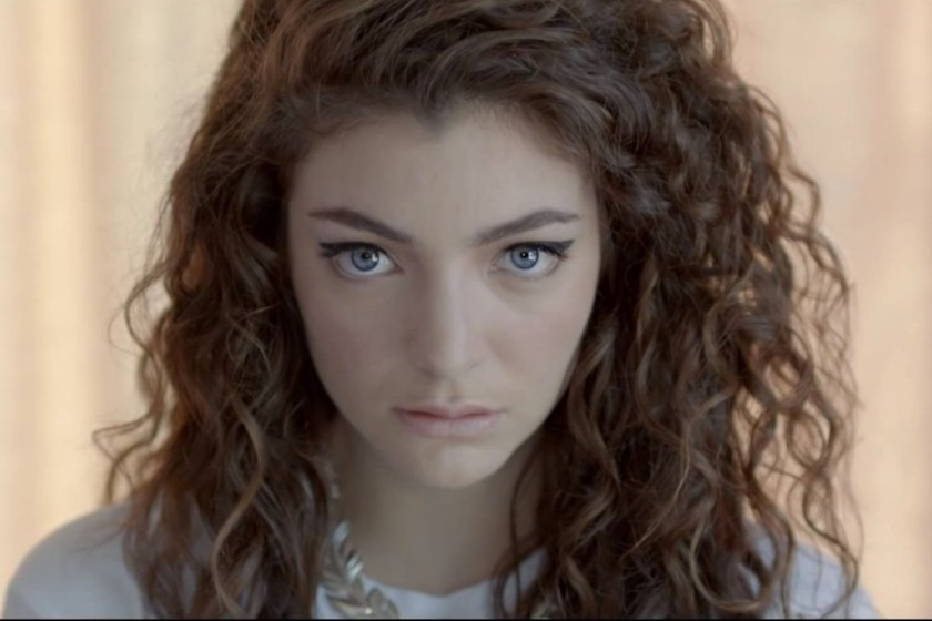Lorde anuncia regreso con Solar power.