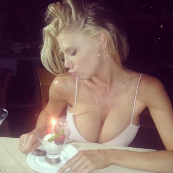 Baywatch star Charlotte McKinney nude photos leaked from hacked iCloud by The Fappening