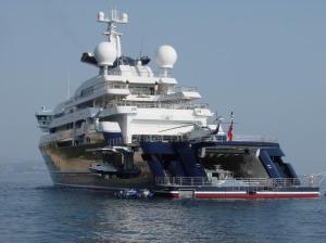 Microsoft Billionaire Paul Allen Loves Luxury Yachts
