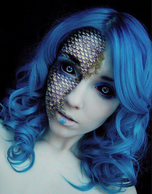 MERMAID MAKEUP BLUE HAIR