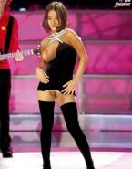 Alizee Nipple Slip Public 001