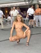 Anna Kournikova Naked Public 001