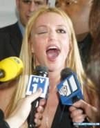 Britney Spears Loves Drinking Cum Facial 001