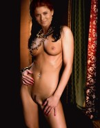 Debra Messing Nude Body Perfect Tits 001