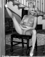 Emily Osment Breasts Legs Spread Pussy Porn 001